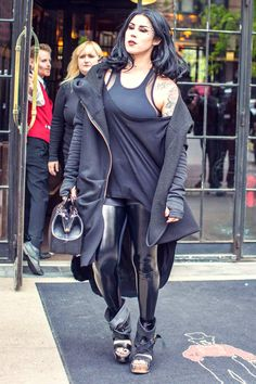 Tattoo artist Kat Von D was seen out and about in SoHo on May The looked smart as she stepped out… Lazy Fashion, Punk Fashion, Kat Von D Tattoos, Leather Trousers, Leather Leggings, Estilo Rock, Inked Girls, Tattooed Girls, Style Guides