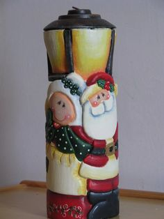 navidad, adornos en vela tallada navideños. Best Candles, Diy Candles, Carved Candles, Christmas Candles, Christmas Decorations, Candle Art, Candle Accessories, Diy Candle Holders, Country Christmas
