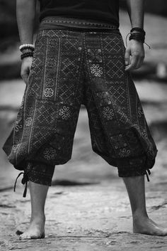 Amazing Unique High Cut Harem Pants made from fairtrade beautiful traditional hill tribe fabric from the North of Thailand. With open-side legs and ankle cuffs with adjustable straps, you can move freely while practicing yoga, doing the split, or chasing Hippie Style, My Style, Hippie Chic, Style Masculin, Ankle Straps, Costume Design, Cool Outfits, Menswear, Mens Fashion