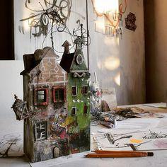 """Eloe"" 2015 34 cm x 16,5 cm x 5,5 cm #artwork #art #sculpture #urbanism #urban #architecture #craft #miniature #house #painting #drawing #streetart #scene #graffiti"