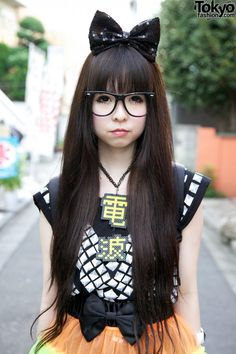 Long, straight hair with bangs and a bow, definitely my kind of hair I just love it