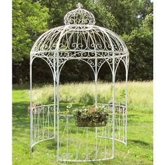 Want to build or decorate a backyard gazebo but you're low on inspiration? Read our article for amazing outdoor gazebo ideas that'll transform your garden! Backyard Gazebo, Garden Gazebo, Diy Gazebo, Pergola Plans, Pergola Kits, Gazebo Ideas, Patio Ideas, Gazebos, Arbors