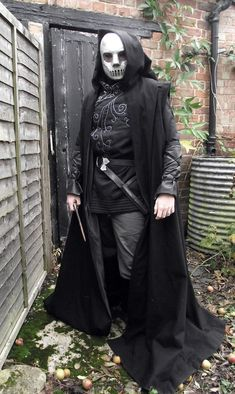 Incredibly detailed step-by-step process of making a Death Eater costume.
