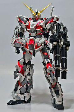 No photo description available. Gundam Wing, Gundam Art, Battle Robots, Gundam Mobile Suit, Unicorn Gundam, Noah, Gundam Custom Build, Frame Arms, Gunpla Custom