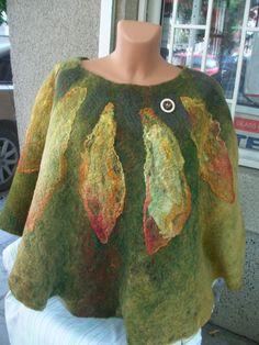 Felt Cape, Felt Poncho, Wool felt cape, handmade, Woman Felt Cape by Crafttings 62.00 €