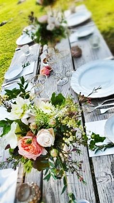 Centerpieces dinner table/Castello di Vicarello, Tuscany, Italy