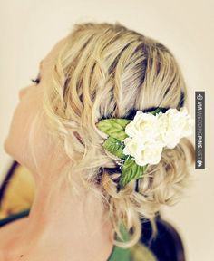 Amazing! - Chic Bohemian Wedding Hairstyles. To see more:   CHECK OUT MORE IDEAS AT WEDDINGPINS.NET   #weddings #hair #weddinghair #weddinghairstyles #hairstyles #events #forweddings #iloveweddings #romance #beauty #planners #fashion #weddingphotos #weddingpictures