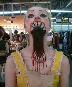 Halloween Mouth Make Up