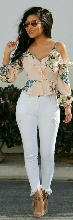 woman in beige and multicolored floral off-shoulder long-sleeved shirt with distressed white denim jeans and pair of brown leather open-toe heeled sandals outfit. Pic by Ecstasy Models – Womens Fashion & Streetstyle Source by Trendy Dresses, Nice Dresses, Casual Dresses, Spring Outfits Women Casual, Casual Outfits, Outfits Spring, Dress Outfits, Fashion Outfits, Womens Fashion