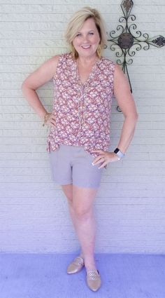 50 IS NOT OLD | SAME BLOUSE AND FOUR LOOKS | FASHION OVER 40 | Extending Your Wardrobe | Blouse and Shorts | Linen | Summer Looks | Fashion over 40 for the everyday woman
