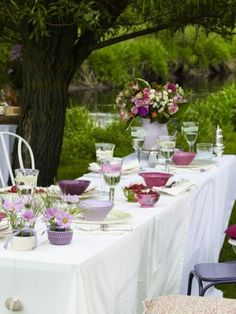 colorful summer tablescape / table settings