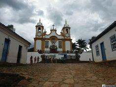 Nas ladeiras de Tiradentes - Igreja Matriz de Santo Antônio Minas Gerais!!! A igreja é uma das mais ricas do Brasil.  http://ift.tt/1NEeHml #mundoafora #dedmundoafora #mundo #travel #viagem #tour #tur #trip #travelblogger #travelblog #braziliantravelblog #blogdeviagem #rbbviagem #tripadvisor #instagood #worldtravelpics #photooftheday #blogueirorbbv #blogueirosdeviagem #exploreminas #ig_minasgerais #mtur #vivadeperto #igerbrazil #tiradentes #minasgerais #mg #br_historicalcities #turismomg…