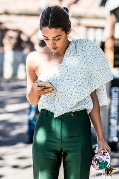 Emerald green trousers //
