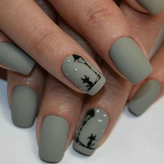 Nails Art Stiletto Gray New Ideas Cute Acrylic Nails, Cute Nail Art, Glitter Nail Art, Nail Art Diy, Nail Art Noel, Fall Nail Art, Minimalist Nails, Classy Nails, Simple Nails