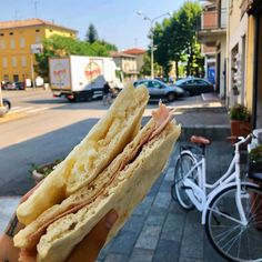 Talianska focaccia recept - Receptik.sk Hot Dog Buns, Hot Dogs, Pizza, Bread, Ethnic Recipes, Oven, Hampers, Brot, Baking