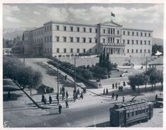 The Hellenic Parliament , 1946 Greece Pictures, Old Pictures, Old Photos, Attica Athens, Athens Greece, Athens Hotel, Ancient Greece, Science And Nature, Historical Photos
