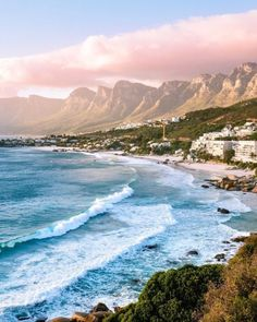 Cape Town in South Africa 🌊 Camping Places, Places To Travel, Places To See, Travel Destinations, Chobe National Park, Les Continents, California Camping, Cape Town South Africa, Destination Voyage