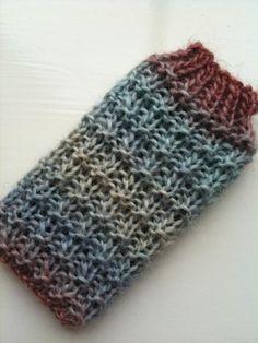 Hurdle Stitch iPhone Cozy FREE Knitting Pattern
