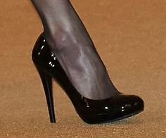 Doña Letizia wore a new pair of platform pumps by Magrit.