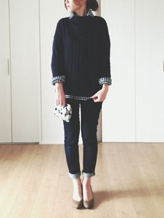 Checked blouse under cozy sweater Japan Fashion, Look Fashion, Fashion Pants, Daily Fashion, Korean Fashion, Winter Fashion, Fashion Outfits, Womens Fashion, Fashion Design