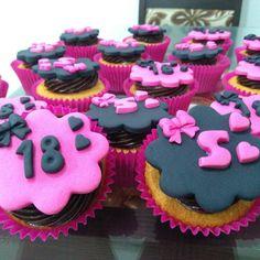 """64 curtidas, 1 comentários - Cake Magia (@cakemagia) no Instagram: """"Sua festa vai ficar ainda mais linda com cupcakes personalizados.. #cakemagia #cupcakes"""""""
