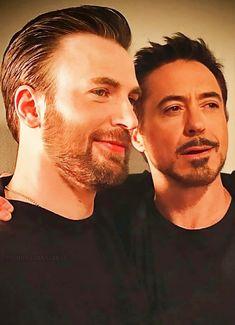Robert Evans, Chris Evans, Steve And Tony, Marvel Actors, Robert Downey Jr, Steve Rogers, Tony Stark, Beautiful Men, Avengers