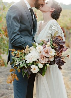 Romantic Wedding Built for Two in Paso Robles – Style Me Pretty Fall Bouquets, Fall Wedding Bouquets, Fall Wedding Flowers, Bride Bouquets, Flower Bouquet Wedding, Bridal Flowers, Romantic Wedding Receptions, Romantic Weddings, Wedding Ideas