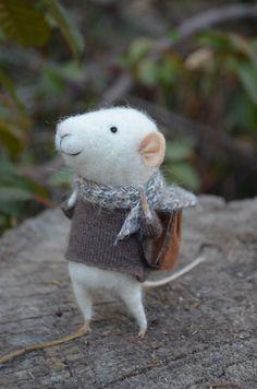 Little Traveler Mouse, Felting Dreamson Etsy