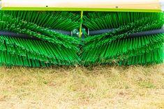 Egyedi mezőgazdasági kefék készítését is vállaljuk! Keressen minket bizalommal Ön is! #kefe #kefekészítés #kefekészítő #mezőgazdaság #mezőgazdaságikefe