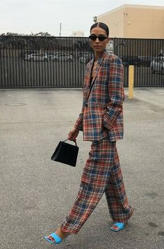 58 Trendy Fall Street Style Outfit for Women Trendy . Read more The post 58 Trendy Fall Street Style Outfit for Women appeared first on How To Be Trendy. Look Fashion, Autumn Fashion, Fashion Outfits, Fashion Tips, Fashion Weeks, French Fashion, Hijab Fashion, Vogue Fashion Week, Womens Fashion