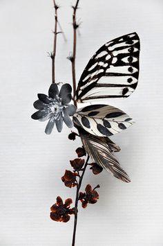 Wings: The taste of Petrol and Porcelain | Interior design, Vintage Sets and Unique Pieces www.petrolandporcelain.com Anne ten Donkelaar  Flower constructions