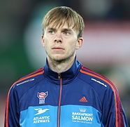 186px-FIFA_WC-qualification_2014_-_Austria_vs_Faroe_Islands_2013-03-22_-_Símun_Samuelsen_01.jpg (186×181)