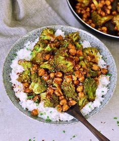 Garlic Broccoli Stir Fry With Chickpeas. Flavorful broccoli stir fry with chickpeas and a delicious garlic ginger sauce! This vegan weeknight dinner is easy to make in just one pan and it's ready in about 25 minutes. Chickpea Recipes, Vegan Dinner Recipes, Vegan Dinners, Veggie Recipes, Whole Food Recipes, Vegetarian Recipes, Cooking Recipes, Healthy Recipes, Easy Dinners