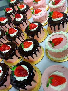 strawberry baby cakes