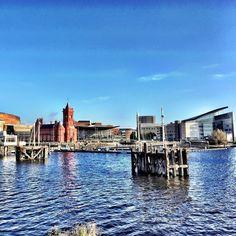 Lovely blue skies over Mermaid Quay in #Cardiff #Travel #Citybreak #Summer #Wales #MermaidQuay #Sea