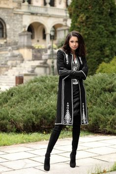 Posts from a Traitor American Expat in Romania — Traditionally inspired Romanian outfits Source. Hijab Fashion, Fashion Dresses, Khadi Kurta, Hijab Stile, Trench Coats, Long Gloves, Embroidery Fashion, Cardigan, Dressed To Kill