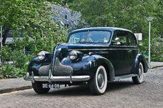 Buick Sedan, Vintage Cars, Antique Cars, Sports Sedan, Luxury Cars, Luxury Travel, Car Manufacturers, Classic Cars, Automobile