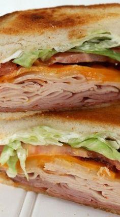 Copycat Applebee's Clubhouse Grille Sandwich Applebee's Clubhouse Grille Sandwich Copycat Recipe Hummus Sandwich, Panini Sandwiches, Grilled Sandwich, Best Sandwich, Soup And Sandwich, Wrap Sandwiches, Vegan Sandwiches, Sandwiches For Lunch, Chicken Sandwich