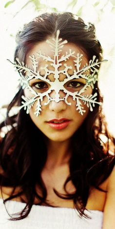 Snowflake leather mask in white #Halloween #leather #mask www.loveitsomuch.com.  I LOVE it!!!