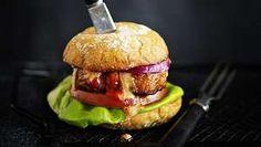 Seitan, Hamburger, Chicken, Ethnic Recipes, Food, Hamburgers, Meals, Yemek, Burgers