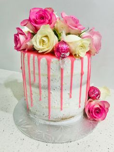 Drip Cakes, Jelly Beans, Cake Creations, Vanilla Cake, Cupcakes, Baking, Desserts, Food, Vanilla Sponge Cake