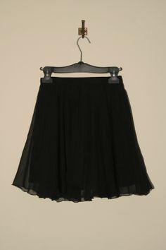 sehr klein, aber sehr lieb ! bei www.extraschoen.at Designer, Skirts, Fashion, Guys, Moda, Fashion Styles, Skirt, Fashion Illustrations
