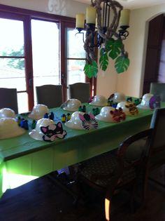 Jungle table set up