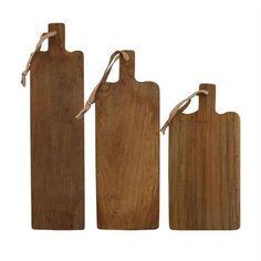 Smukt skærebræt af teak træ fra HKliving. Alle er unikke og der er derfor ikke 2 som er ens.