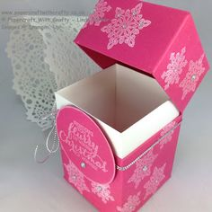 Linda Parker UK Independent Stampin' Up! Demonstrator from Hampshire @ Papercraft With Crafty : Sturdy Hinged Box with Flush Fitting Lid Gift Boxes Uk, Diy Gift Box, Diy Box, Diy Gifts, Boxes And Bows, 3d Christmas, Step Cards, Envelope Punch Board, Craft Box