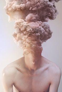 """""""Metamorphosis"""" est un projet imaginé par le collectif français Me and Edward (Lyon) """"Metamorphosis"""" est une idée selon laquelle le corps humain n'a pas de"""