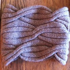 Free Pattern: Easy Hipster Cowl by Tilde/Novel Purler