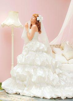 <3 Romantic-Sweet-White-Wedding-Dress. <3