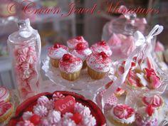 Happy Valentine's Day Mini Friends! | IGMA Artisan Robin Brady-Boxwell – Crown Jewel Miniatures
