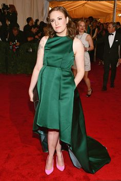 Lena Dunham in Wes Gordon with Stella McCartney pink shoes! Lena Dunham, Girls Generation, Pink Shoes Outfit, Pink Heels, Celebrity Dresses, Celebrity Style, Stella Mccartney, Wes Gordon, Met Gala Red Carpet